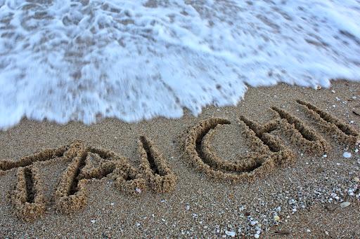Disfruta del taichi en la playa